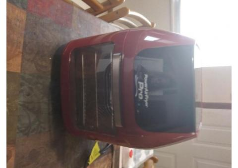 New in box Pro Air Fryer 8 in 1 ..6 quart
